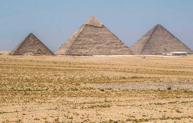 Плато у Великих пирамид в Гизе модернизировано по последнему слову техники